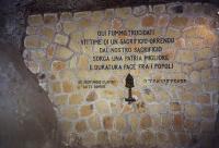 Lapide commemorativa Mausoleo delle Fosse Ardeatine